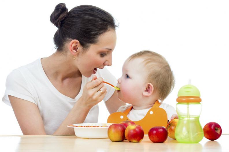 Alimentación de un bebé de 15 meses